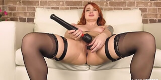 tattooed curvy babe violet monroe enjoys playing with her all natural body