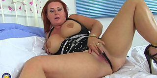 modern chubby stepmom with hungry cunt