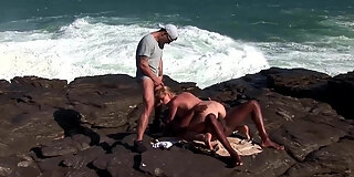 ocean threesome for busty blonde tarra white