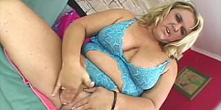 big blonde woman donna s fat pussy riding hard cock